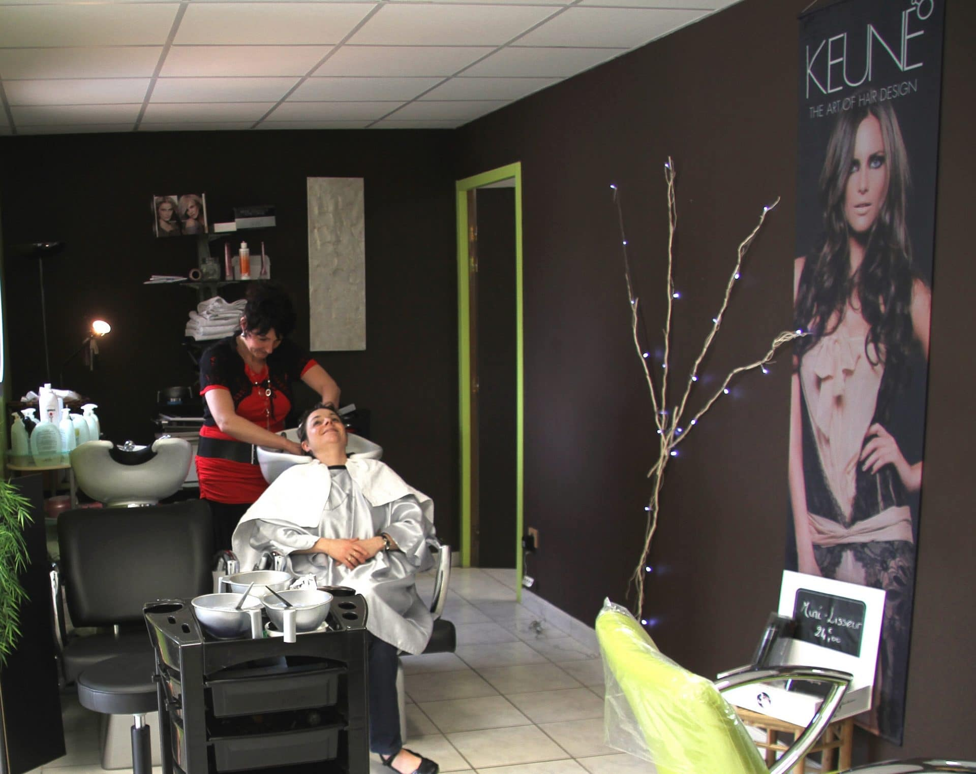 Salon de coiffure defiplanet for Salon de coiffure appartement