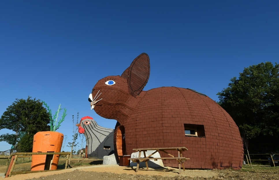 Passez un week end dans une maison en forme de lapin proche de poitiers