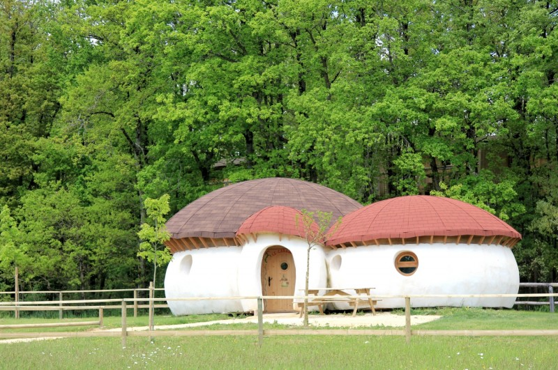 la maison champignon dormez dans un h bergement insolite dans la vienne. Black Bedroom Furniture Sets. Home Design Ideas